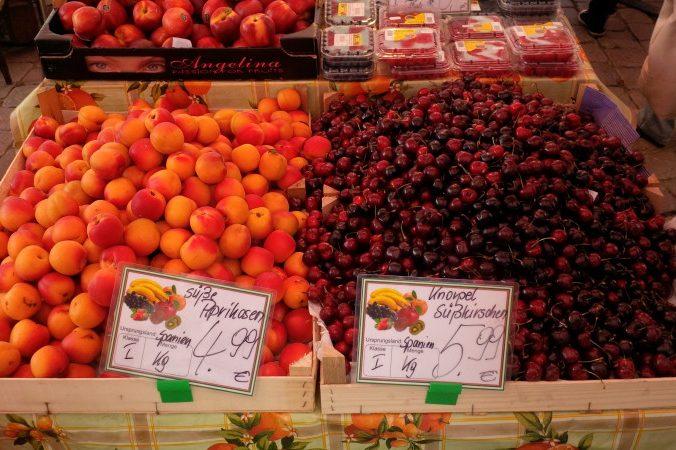 """""""Globalized"""" fruit"""