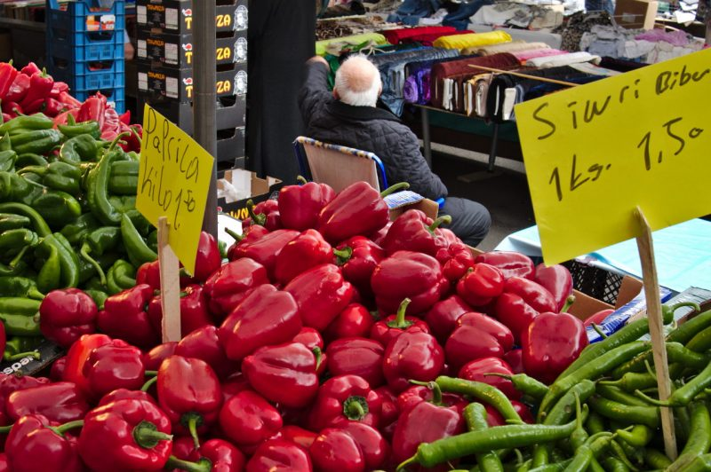 Managing from the chair at Cologne Nippes Market
